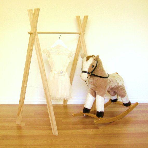 Diy Child Clothes Rack: 17 Best Ideas About Wooden Clothes Rack On Pinterest