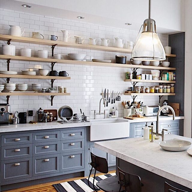 I have been obsessed with this kitchen ever since i saw - Moscas pequenas cocina ...