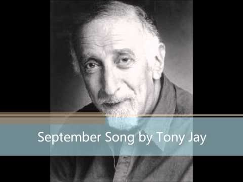 I love Tony Jay's voice. it is so chillingly deep and sinister. he has the BEST villanous voice ever!! R.I.P.  #ENGLISHMAN