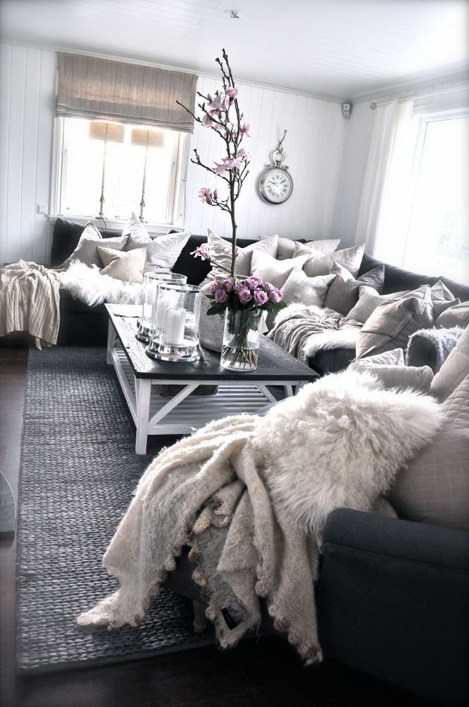 Cozy warm den. Cozy room. Cozy room idea. Den idea. Living room idea. #den #cozyden #cozy. Gray and cream
