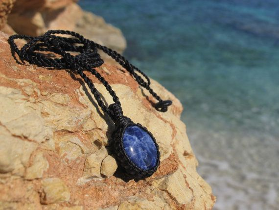 Sodalite healing stone macrame pendant