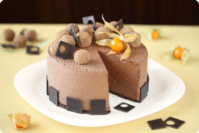 Verdade de sabor: Chocolate cake with caramel mousse and coffee truffles / Torta mousse de chocolate com trufas de caramelo e café