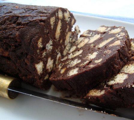 Receita de Salame de Chocolate - http://www.receitasja.com/receita-de-salame-de-chocolate/