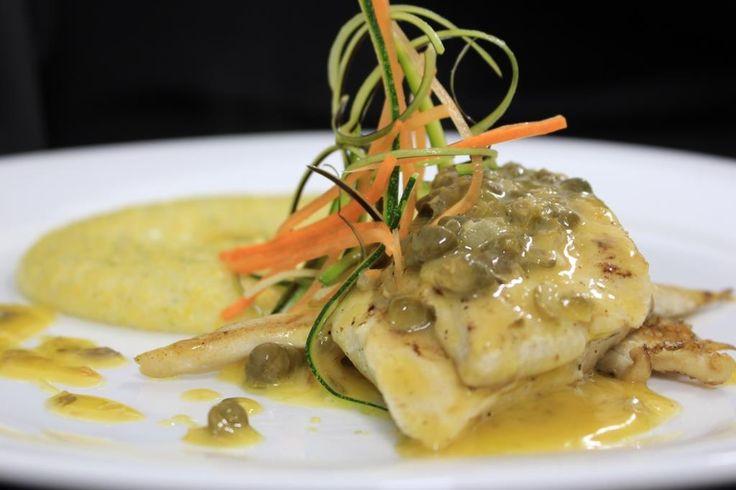 ::Pescado del día:: Pescado fresco con preparación y acompañamiento improvisados por el chef.