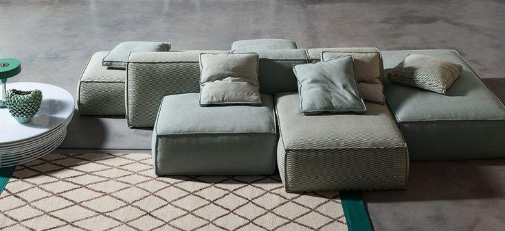 Il gusto di poter creare la composizione più adatta: Peanut B., grazie ai numerosi elementi a disposizione, è un divano estremamente versatile, che si adatta ad ogni esigenza di spazio e di stile. L'imbottitura, in piuma bianca, lo rende particolarmente confortevole; è possibile inoltre includere nella composizione alcuni elementi con meccanismo a slitta, che permette di allungare la seduta per un comfort ulteriore. Il rivestimento, completamente sfoderabile, è disponibile in tessuto o…