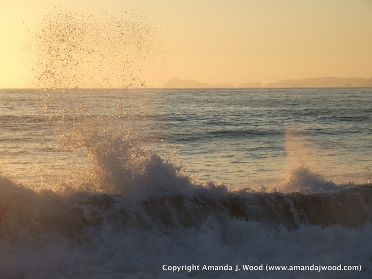 Mexican waves mixing