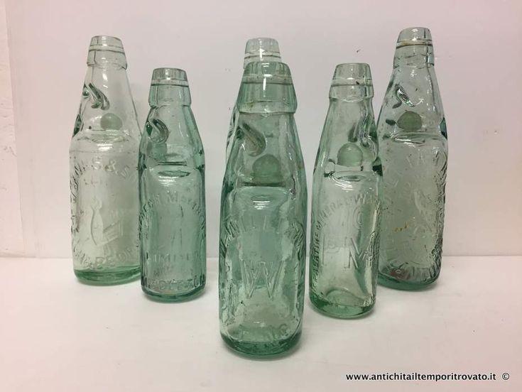 Oggettistica d`epoca - Vetri Antiche bottiglie con la biglia - Antiche bottiglie di gazzosa con la pallina di vetro Immagine n°1