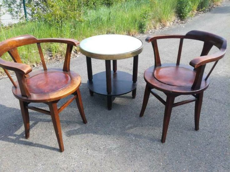 Verkaufe Se 2 Sehr Schönen Alten StühleGuter