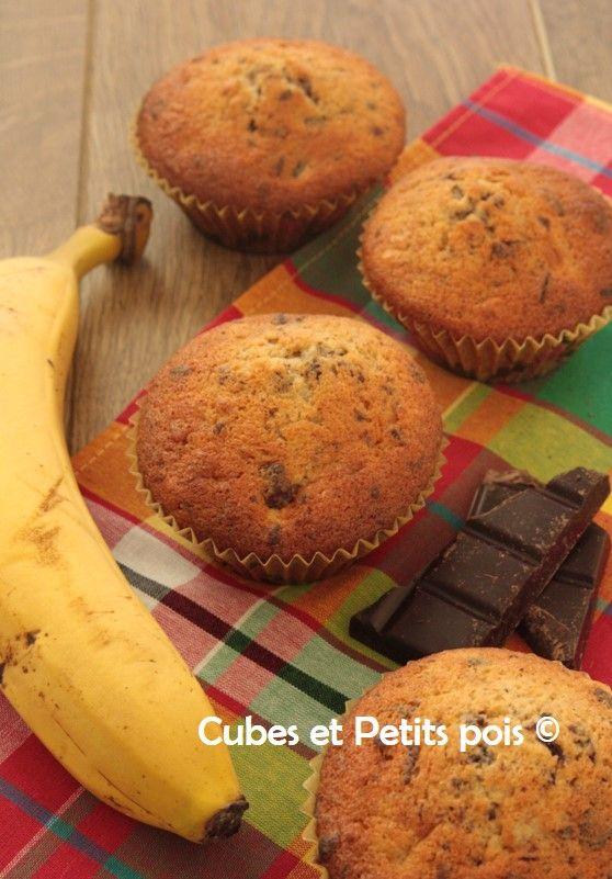 Muffin banane chocolat pour bébé - http://www.cubesetpetitspois.fr/recette-bebe-muffin-banane-chocolat/