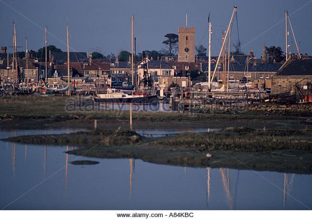 harbour-at-yarmouth-isle-of-wight-uk-a84kbc.jpg (640×451)