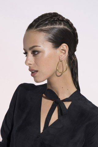 99 best Chignon et pic cheveux images on Pinterest   Hairstyles, Hair and Blog