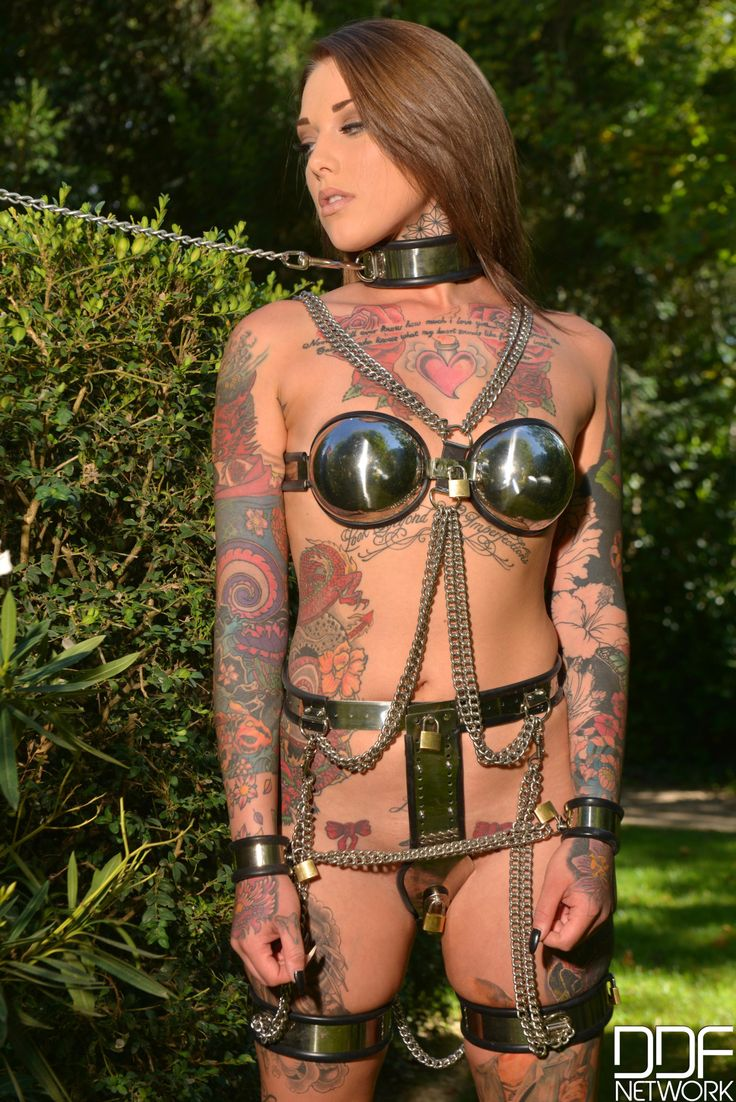 247 bdsm and mistress and her bisex slaves 7