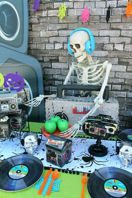 looking for fun tween halloween party ideas create a monster mash party featuring dj