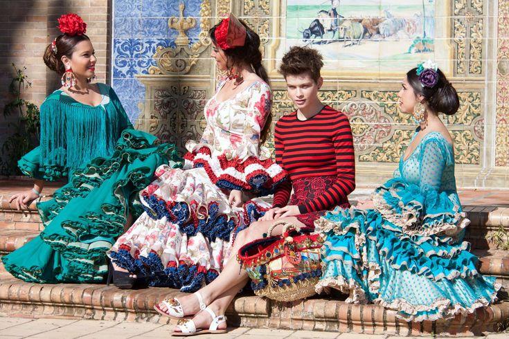 ▶️ Trajes de flamenca pasarela 💟 Diseños exclusivos de Viviana Iorio ▶️ Colección 2015, Sevilla, España 💌 info@vivianaioriotrajesdeflamenca.com