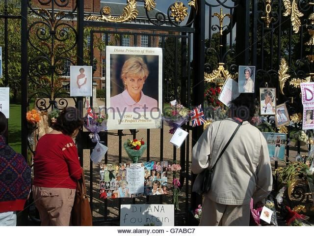 Princess Diana - Seventh Death Anniversary - Kennsington Palace, London - Stock…