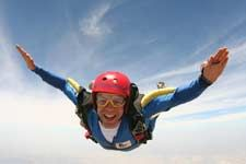 Do something different - book an exhilarating skydive with www.bluesureadventure.co.uk #skydiving
