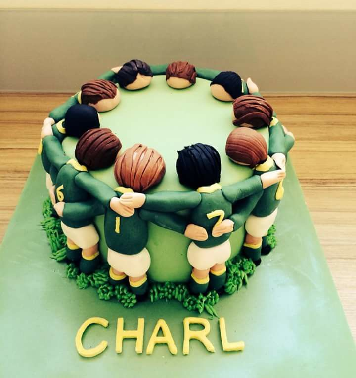 Rugby Cake - love this idea. Just wish I was talented enough to make it for dad.