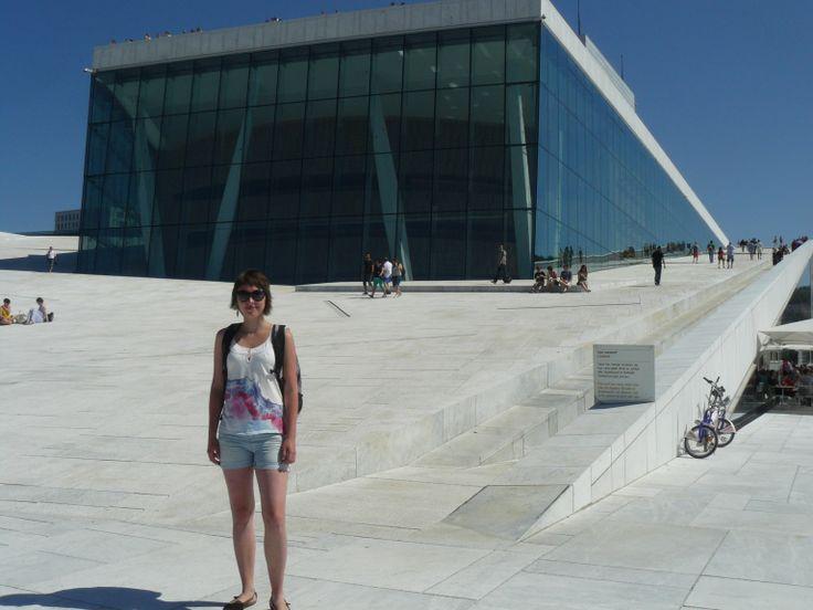 1 June: Opera House