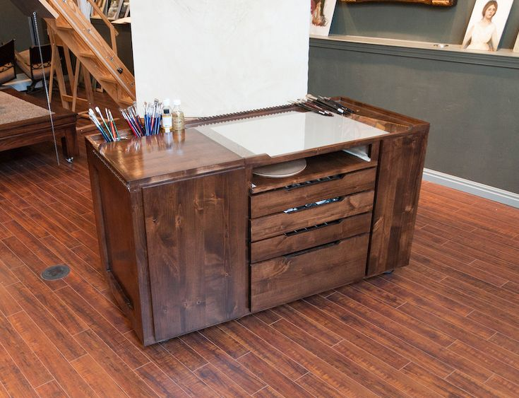 Beautiful Taboret For Painting   Closed View.