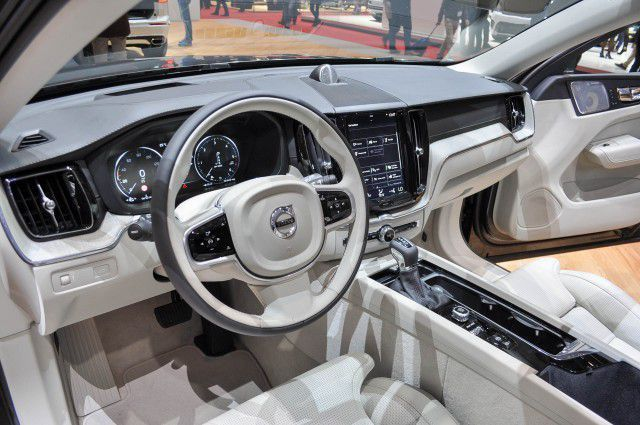 2019 Volvo Xc60 Review Hybrid With Images Volvo Xc60 Volvo
