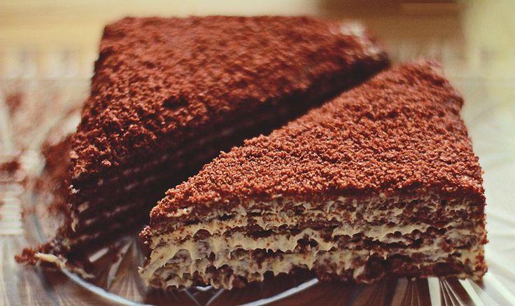 Egyre népszerűbb süteményt osztunk meg veletek,olvassátok, használjátok, osszátok:) részére. A marlenka Hozzávalói:Tésztához:700 g liszt
