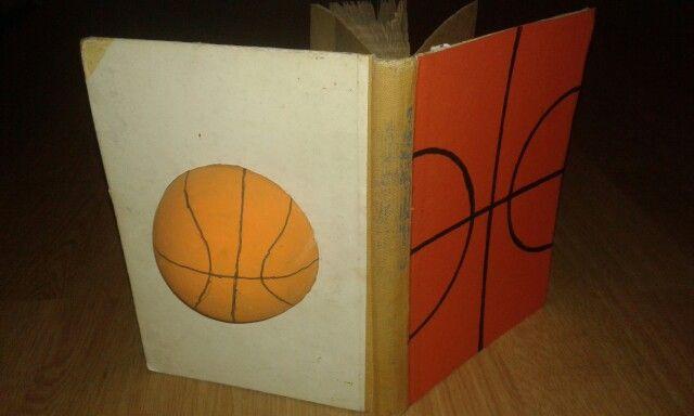Basketballetje in het boek. Tegenvaller was dat het gat hier en daar wat bijgevijld moest worden.