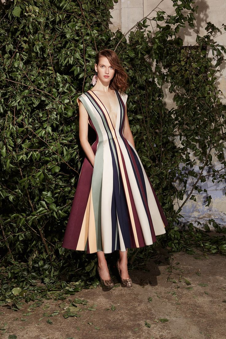 See the complete Paule Ka Spring 2017 Ready-to-Wear collection.