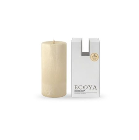 Ecoya Pillar Candle – Vanilla Bean. A velvety and rich, full-bodied vanilla bean extract is deliciously wrapped in creamy tones of butterscotch to create a rich, indulgent and luxurious fragrance.