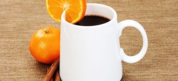 Μια ζεστή σοκολάτα δεν είναι ποτέ αρκετή, γι' αυτό ας πάρουμε ιδέες για να την φτιάξουμε στο σπίτι μας με πέντε διαφορετικούς τρόπους.