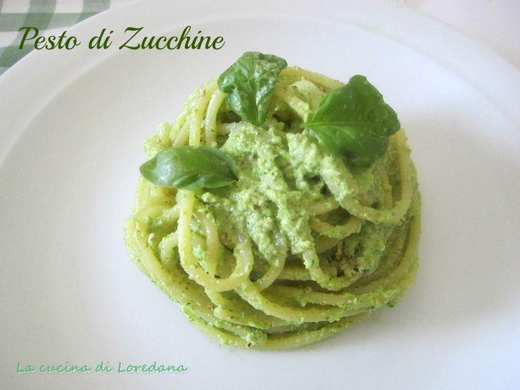 Un semplice e veloce condimento per preparare un delizioso piatto di Spaghetti con pesto di Zucchine, anche da conservare in freezer e averlo sempre pronto