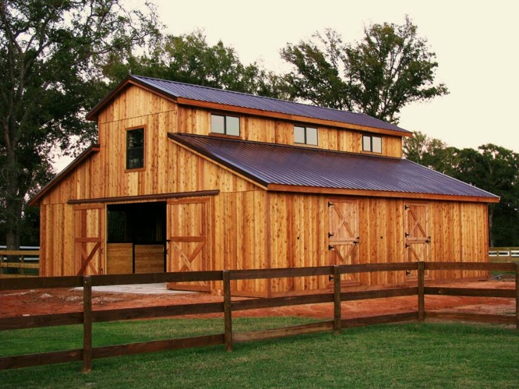 Simple western raised center barn for American barn house plans
