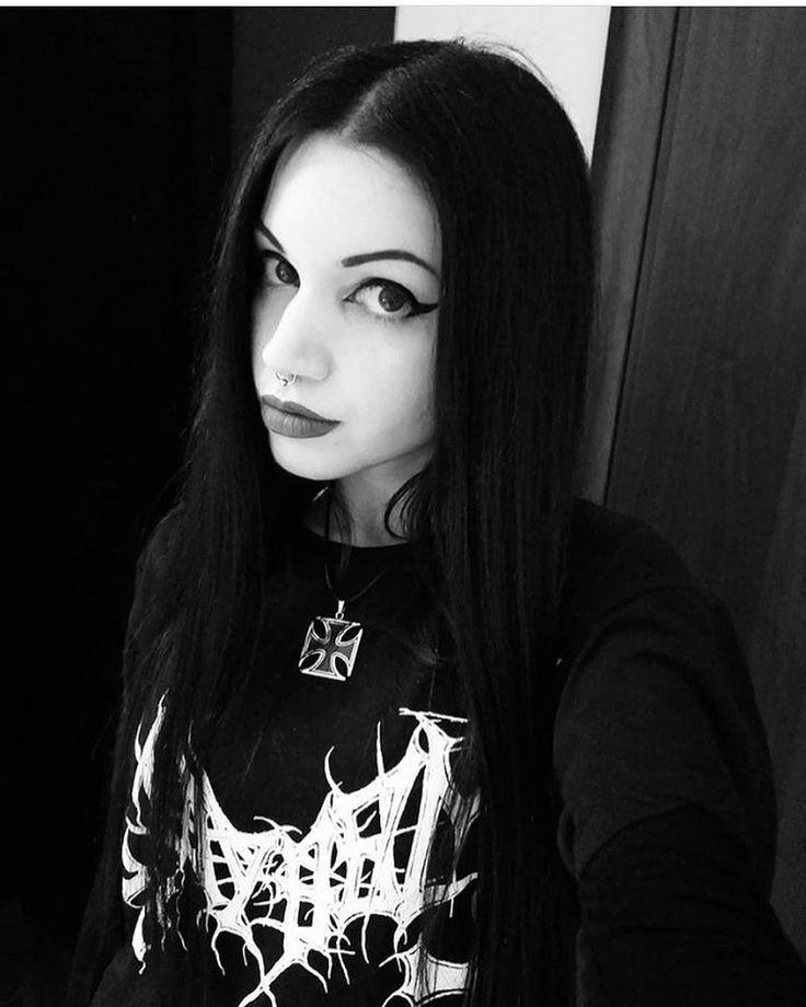 #blackmetalgirl black metal girl | Metalhead girl, Black