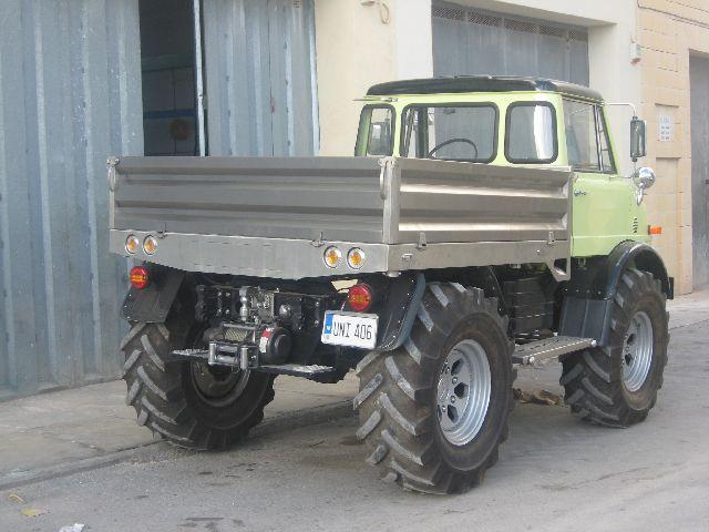 Backside of favorite unimog 406-