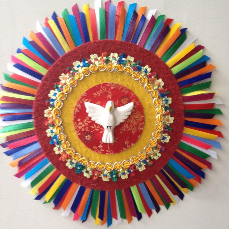 http://soosoovintage.blogspot.com.br/2011/08/divino-espirito-santo.html?m=1   Artista plástica Angélica Pacheco