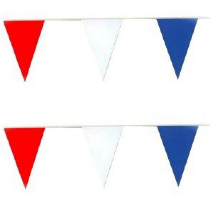 Prachtige vlaggenlijn met de Nederlandse driekleur rood, wit en blauw. Ideaal om de tuin te versieren tijdens het WK 2018. Vlaggenclub heeft nog veel meer vrolijke, originele Oranje versieringen en feestartikelen.