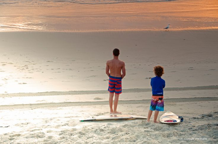 What about some family surfing for a fun #getaway at the Burleigh Heads Beach in the #GoldCoast? Afterwards you can all meet back at the #hotel for delicious family dinner! #Australia