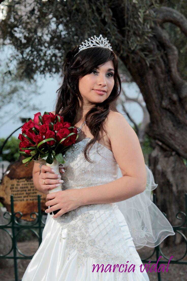 Bouquet de novia de Rosas Rojas .