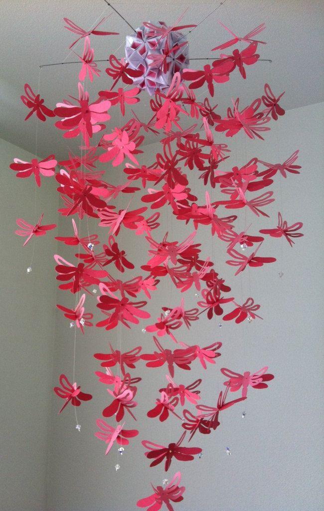 Lámpara libélula móvil dos tonos de rosa por DragonOnTheFly