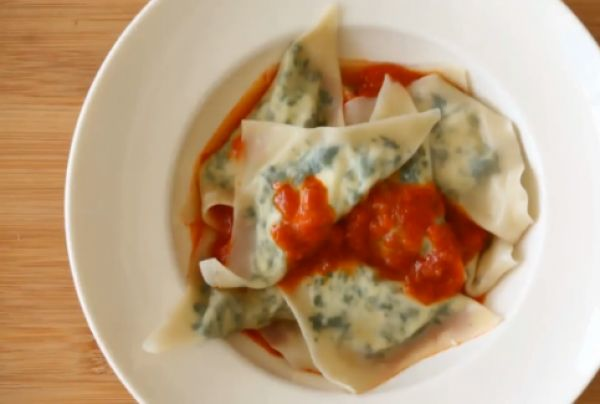 ... How to Make Kale and Ricotta Ravioli | http://aol.it/1dgPn66 #Recipe
