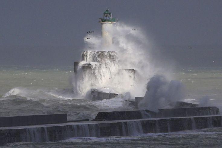EN IMAGES. La tempête arrive sur la moitié nord