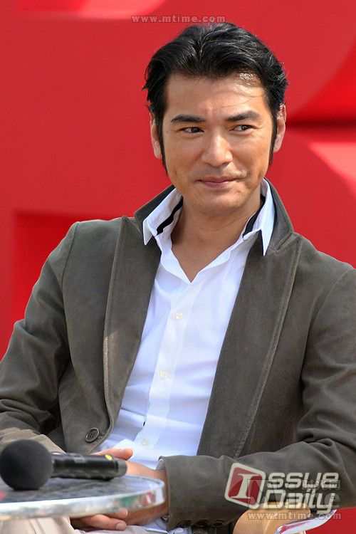 kaneshiro takeshi dating website Speculation is rampant that 44-year-old takeshi kaneshiro is expecting a baby after long-time partner was spotted with a prominent stomach bulge on monday evening, during romantic dinner date.