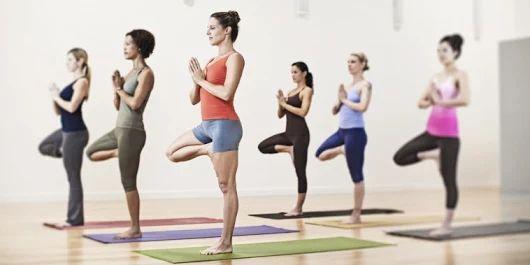 Yeni Başlayanlar İçin 10 Etkili Yoga Pozu - Temel Safinaz