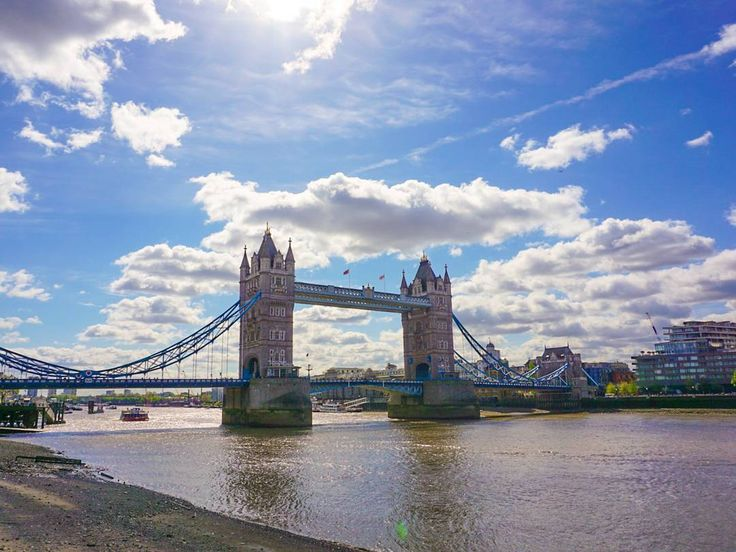 Another one from the London Tower Bridge  Sony Alpha 6000  #london #bestvacations #londonlife #londonlife #toplondonphoto #towerbridge #bluesky #vacation #holiday #travellondon #rausgegangen #easter #igerslondon #igerscologne #photooftheday #thelondonlifeinc #summer #uk #ig_europe #ig_worldclub #sonyalphasclub #jjcommunity #tower #bridge #beautiful