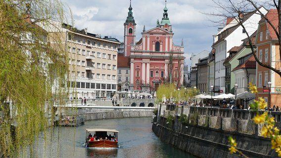 Reise-Tipps & Video aus Ljubljana: Elektro-Kavalier, Katzen-Café und ein Boots-Trip durch die Altstadt