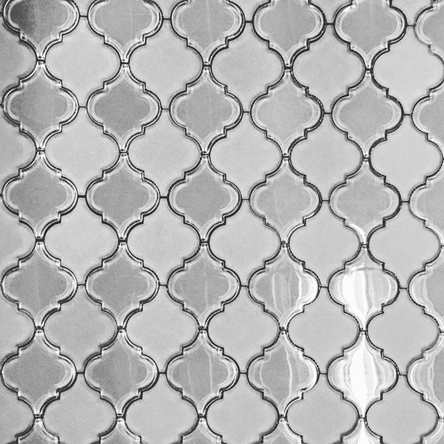 https://www.tilebuys.com/products/grey-glass-arabesque-lantern-mosaic-tile?variant=31317013386  #glasstile #arabesque #tile #backsplash #tilebuys #glossy #frosted #homedecor #reno #renovations #shower #tiles