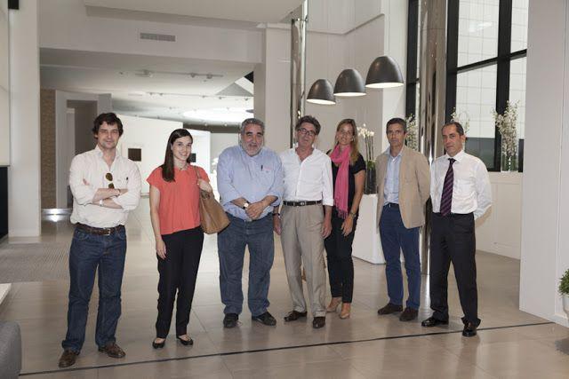 Souto de Moura y Nuno Brandão visitan las instalaciones de PORCELANOSA Grupo