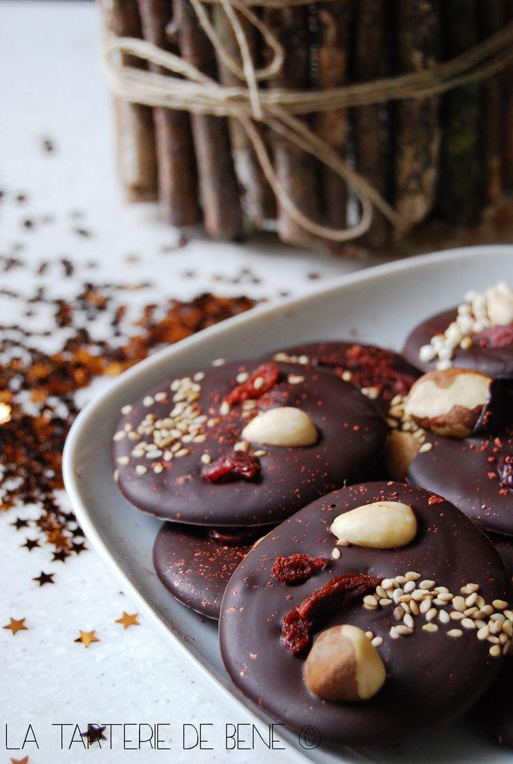 Les 25 meilleures id es de la cat gorie tuiles au chocolat for Boite a couture tres originale