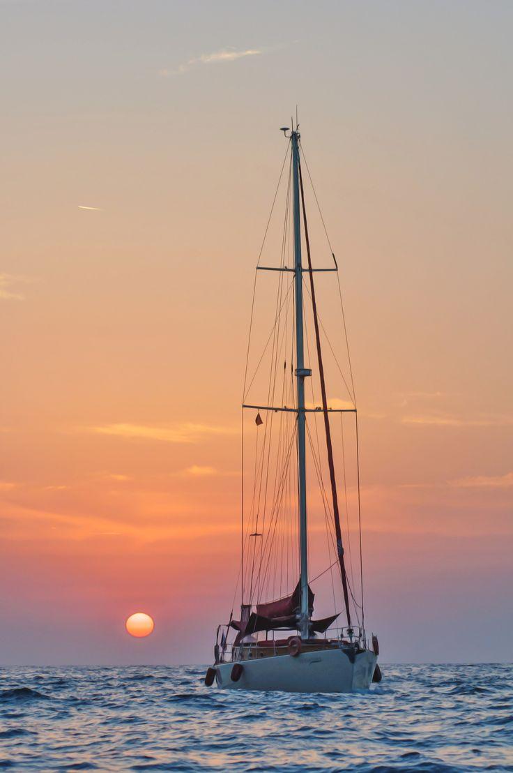 Sun set İn Kuşadası / Turkey by izzet özkaya on 500px