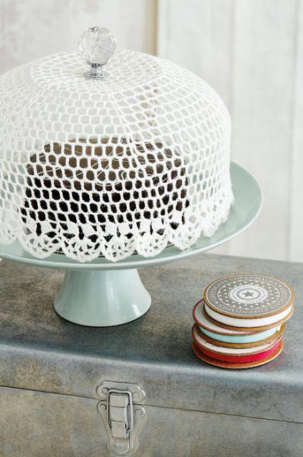 la decoración de mis mesas: 7 Formas fáciles de tunear tu soporte para tartas.