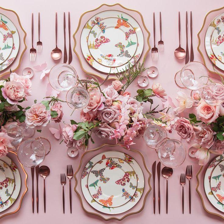 Casa De Perrin place settings #pinkchina #china #wedding
